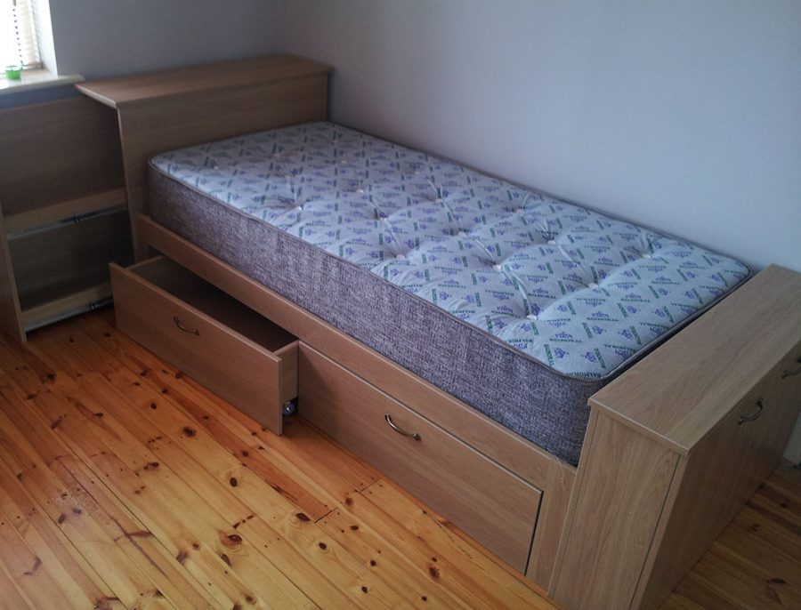 Kid's Bed in Oak with Wheeled Drawers